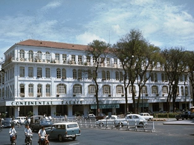 Continental_Hotel_1975